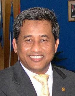 mendiknas-prof-dr-kh-muhammad-nuh