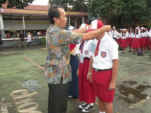 http://smpn231jakarta.files.wordpress.com/2013/07/mos-2.jpg
